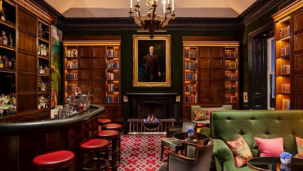 1824-bar-entrance-shelbourne-hotel-dublin